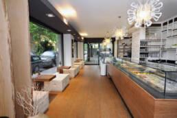 marchi-interior-design-arredamenti-bar-pasticceria-gelateria-arredo-in-legno-su-misura