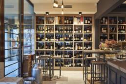 marchi-interior-design-arredamenti-retail-gastronomia-enoteca-dettaglio-scaffalatura-bancone