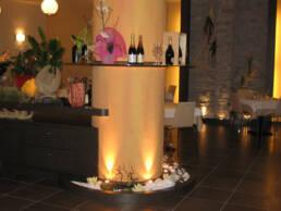 marques-design d'intérieur-ameublement-restaurant-détail-salon-ameublement-tiroirs-sur mesure-poussière de bois