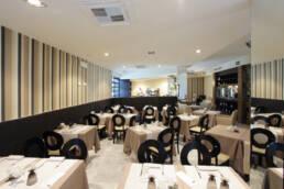 marques-design d'intérieur-ameublement-restaurant-salle à manger-ameublement-couleurs-modernes-lumière-sur-taille