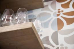 Marken-Innenarchitektur-Möbel-Installation-Detail-Regal-Restaurant-Bar-Pizzeria