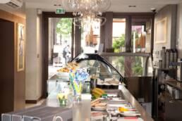 realizzazioni-arredamento-da-interno-retail-bar-luxury-gelateria-parigi-francia-banco-vetrina-02