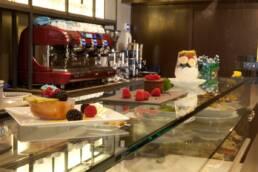 realizzazioni-arredamento-da-interno-retail-bar-luxury-gelateria-parigi-francia-dettaglio-bancon