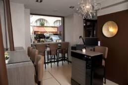 realizzazioni-arredamento-da-interno-retail-bar-luxury-gelateria-parigi-francia-sala-interna-02