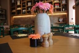 realizzazioni-ristorante-trattoria-trum-brugge-belgio-dettaglio-centro-tavola