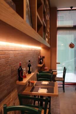 realizzazioni-ristorante-trattoria-trum-brugge-belgio-dettaglio-tavoli-salone