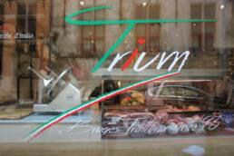 realizzazioni-ristorante-trattoria-trum-brugge-belgio-dettaglio-vetrina-esterna-0