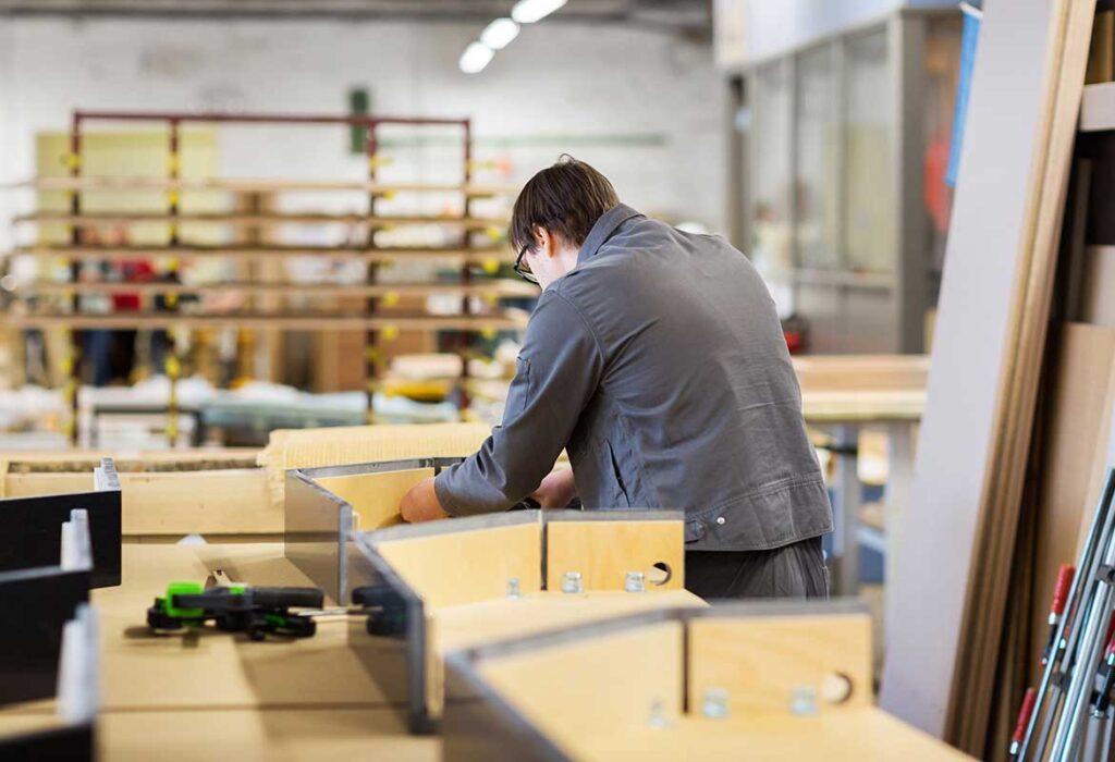 arredamento attività commerciali - montaggio mobili marchi interior design