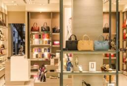 progettazione e produzione arredamento attività commerciali e negozi